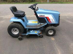 Tracteur a pelouse de marque Yamaha