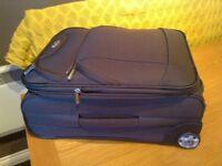 Expanding suitcase