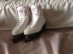 Size 10 ladies figure skates