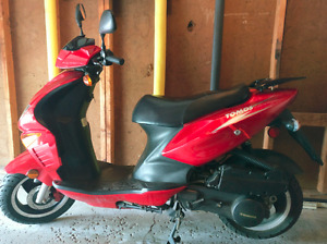 Tomos Nitro Scooter - 150cc - 2008 - Automatic - Fast -Gas Saver