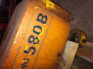 580 B Case backhoe PARTING OUT !