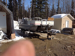 22ft All Aluminum Pontoon Boat
