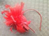 BEAUTIFUL RED FASCINATOR RED MESH AND FEATHERS