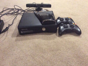 Xbox 360, Kinect, Two Controllers & Over Heat Fan