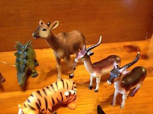 Lot of animals and Dinosaur rubber plastic toys Windsor Region Ontario image 3