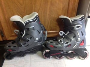Woman's roller blades, size 7-7.5