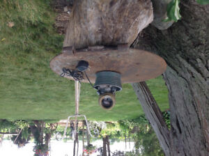 Electric trickle fountain