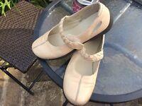 Ladies Clarke's shoes size 7