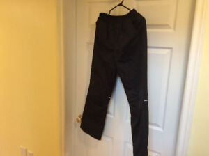 Boys snowpants excellent condition size 14 L