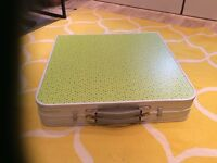 Quechua camping table with 4 seats - table sits 4-6 used once