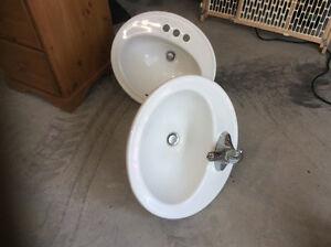 Oval porcelain bathroom sink