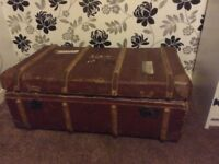 Travel trunk old with lining