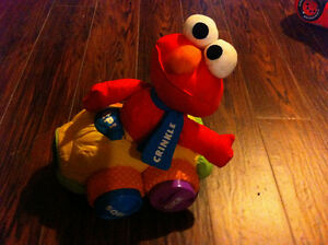 Elmo soft activity car