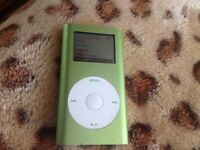 Apple iPod nano 4gb 2nd gen classic green