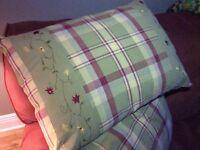 Superbe ensemble de couette, housse et couvre-oreillers