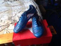 selling puma powercat 1.12 sg football boots size 8