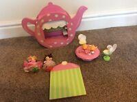 Le toy van wooden fairy teapot dolls house cafe