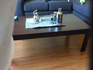 Coffee And End Tables. Like new. (Not solid wood)