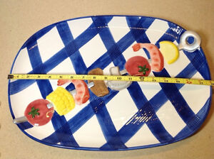 2 whimsical heavy ceramic platters / 1 ceramic olive tray Cambridge Kitchener Area image 4