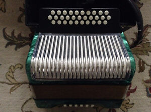 Hohner Corona II Accordion FBbEb