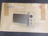 Swan Retro Digital Microwave 20 Litre 800 Watt Cream