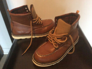 Kids old navy iron worker boot size 5/6