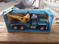 Big rig recovery truck American made metal toy £5 with working winch