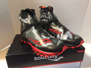 New Saucony Razor Ice+ Mens Size 9 Running Shoes
