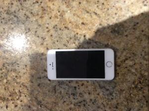 Iphone 5s  32 g déverouillé Négociable