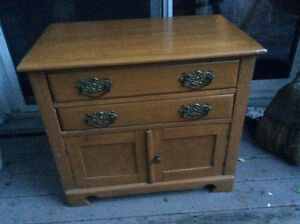 Antique Victorian wash stand/bedside table