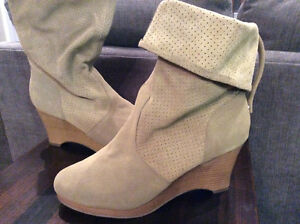 New ladies suede wedge boots size 9