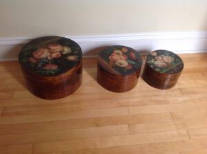 3 hat boxes