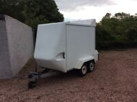 TOW AVAN BOX TRAILER TWIN WHEEL
