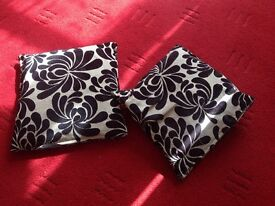 Two damask cushion for £4 .