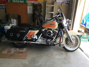1998 Road King Classic fuel injected.