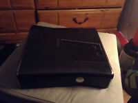 Xbox 360 slim 200$ negociable