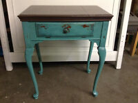 Gorgeous accent table/vanity/desk