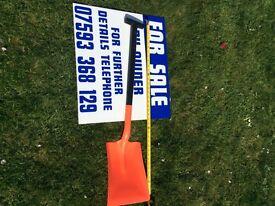 Plastic stable / snow shovel Harold Moore Brand