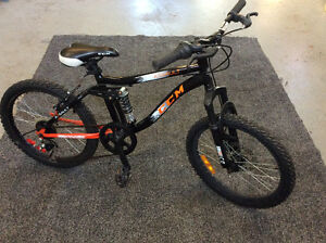 Kids CCM Bike
