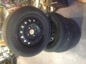 4 Pneus d'ete/Summer tires with rims included