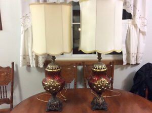 Vintage end table LAMPS x 2