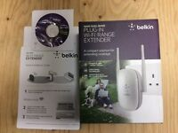 Belkin N600 Universal Dual Band Wi-Fi Range Extender Wireless Signal Booster - Wall Plug Mounted