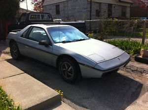 1985 Pontiac Fiero..Working but needs battery...coolant flush...