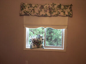 Pretty floral  valence and matching accent pillow
