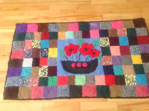 Hooked mat / rug in Patchwork style