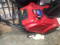 """Souffleuse Toro POWER CLEAR 21"""" Snowblower with Electric start"""