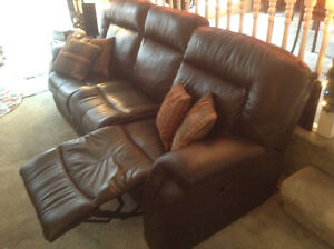 Palliser Leather Reclining Couch Strathcona County Edmonton Area image 3