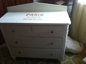 Vintage Buffet Side Table...beautifully ornated corners... London Ontario image 2
