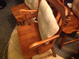 dining chairs 4 solid maple wood set good shape ,only 50 dollars Kitchener / Waterloo Kitchener Area image 5