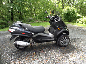 Brand new Safety, Piaggio MP3